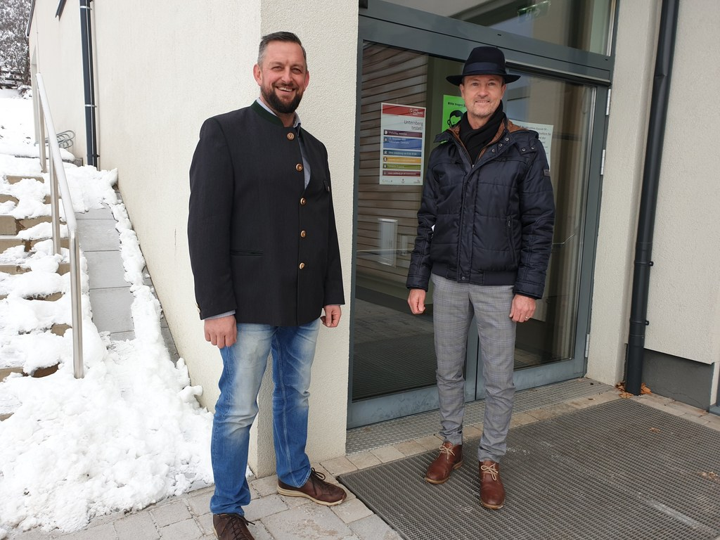 Der Vizebürgermeister von Unternberg Andreas Fanninger mit Bernhard Knapp, Amtsleiter und Gemeinde-Contact-Tracer.