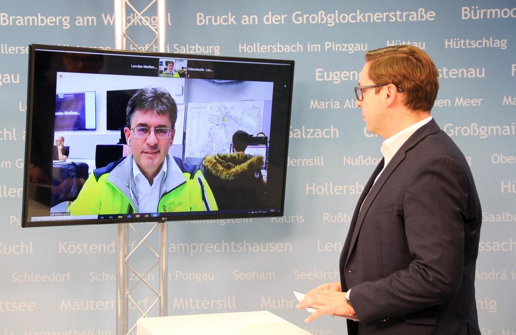 Markus Kurcz, Leiter des Katastrophenschutz des Landes, war ins Videostudio zugeschaltet und machte einen Ausblick auf die morgigen Tests in den sozialen Einrichtungen.