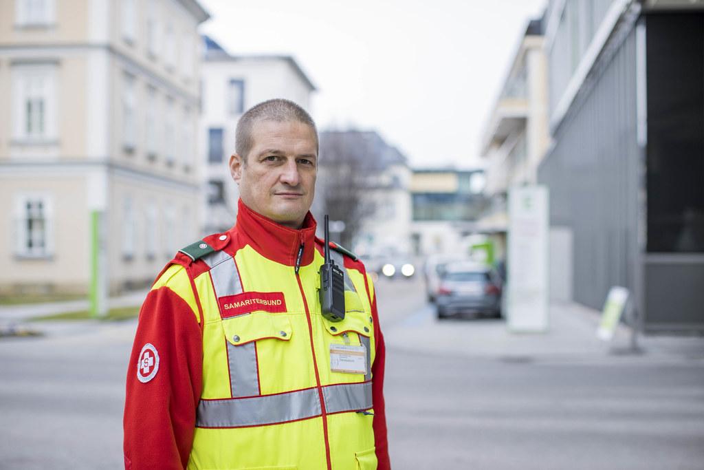 Samariter Markus Rachensberger ist Teamleiter der Patientenmanager beim Landeskrankenhaus und der Christian Doppler Klinik.