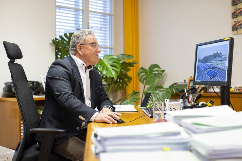 """""""Die Unterstützungs-Modelle des Landes sind vielfältig und bieten individuelle Lösungen"""", so LH-Stv. Heinrich Schellhorn. Alleine im Jahr 2020 wurden mehr als 1.700 Projekte gefördert."""