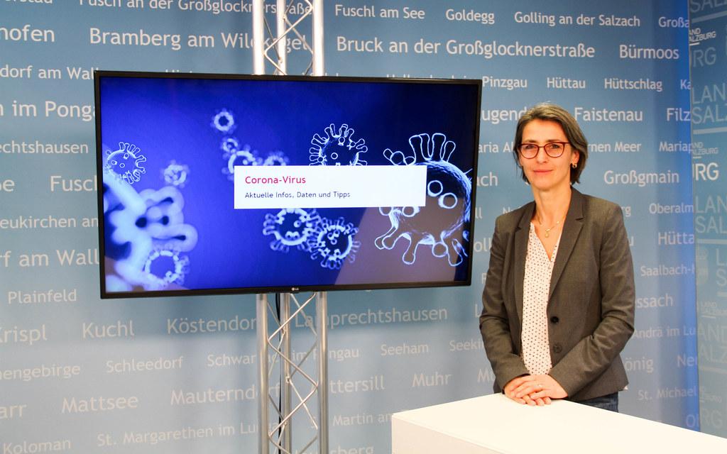 """""""Durch die Vor-Sequenzierung können wir in Salzburg rasch auf die derzeit am weitesten verbreiteten Mutanten reagieren"""", so Landessanitätsdirektorin Petra Juhasz."""