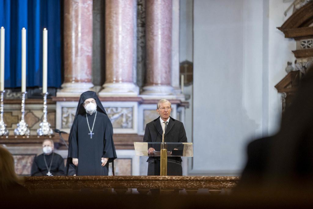 LH Wilfried Haslauer beim Ökumenischen Gottesdienst für Opfer und Betroffene der Covid-19-Pandemie.