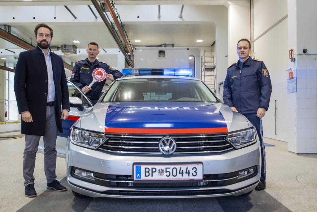 LR Stefan Schnöll, Chefinspektor Hans Wolfgruber und Landespolizeidirektor Bernhard Rausch sagen gemeinsam verantwortungslosen Rasern den Kampf an.