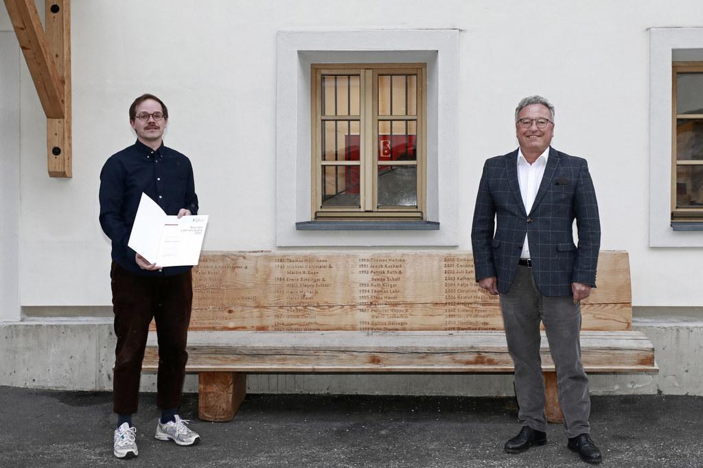 Mit Benjamin Quaderer  geht der Rauriser Literaturpreis erstmals an einen Liechtensteiner. LH-Stv. Heinrich Schellhorn zeichnete ihn für sein Romandebüt aus.