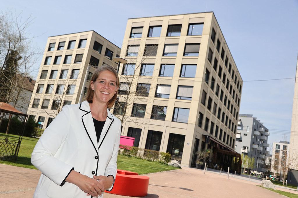 """""""Mit der Wohnbauförderungsnovelle tun wir alles für kostengünstigeres Wohnen in Salzburg für die nächsten Jahre"""", so LR Andrea Klambauer."""