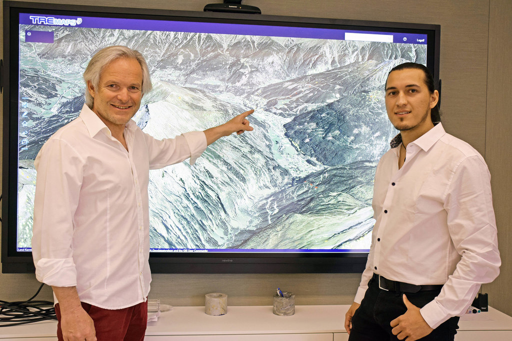 Bodendetektive: Gerald Valentin (Landesgeologischer Dienst) und Markus Dörfler (Georesearch) haben die Satellitendaten zur freien Nutzung im Internet aufbereitet.