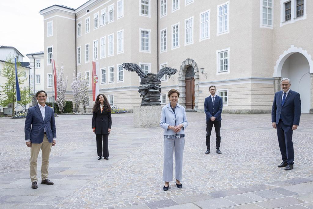 Sie nahmen am land.talk im Salzburger Landtag teil: Autor Philippe Narval, Journalistin  Nadja Kayali, LTP Brigitta Pallauf, András Jakab (Uni Salzburg), Zweiter LTP Sebastian Huber.