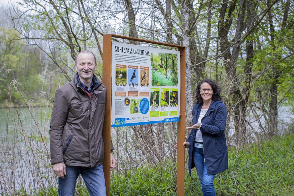 LR Daniela Gutschi und Bgm. Franz Gangl eröffneten heute offiziell den neuen Vogellehrpfad Irlacher Au.