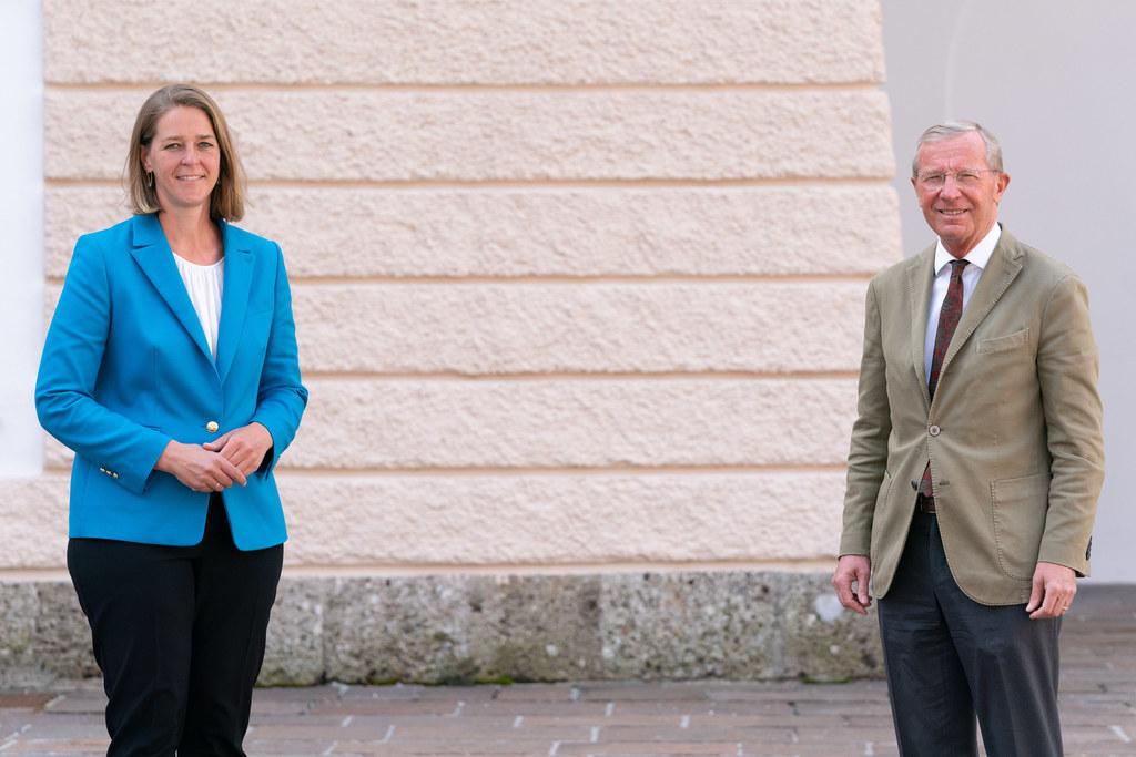 30 zusätzliche Millionen an Wohnbauförderung für die Jahre 2022 und 2023 vereinbarten heute LR Andrea Klambauer und LH Wilfried Haslauer mit den wichtigsten Vertretern der Wohnbaubranche.