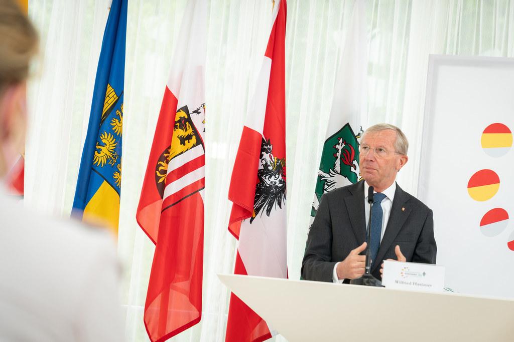"""Landeshauptmann Wilfried Haslauer bei der Landeshauptleutekonferenz in Bad Aussee: """"Öffnungsschritte mit Augenmaß setzen."""""""