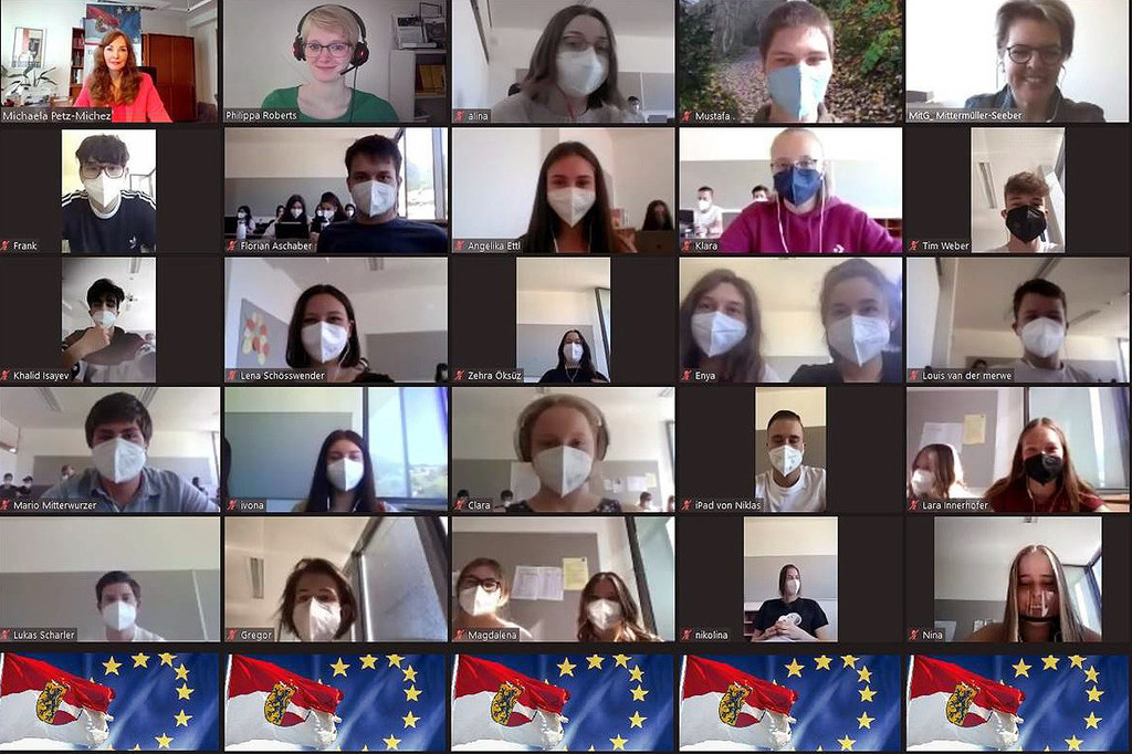 Die EU und Brüssel kennenlernen funktioniert auch online: Verbindungsbüro-Leiterin Michaela Petz-Michez (li. oben) und ihr Team führten die Schülerinnen und Schüler vom BORG Mittersill auf einer virtuellen Tour durch die EU-Hauptstadt.