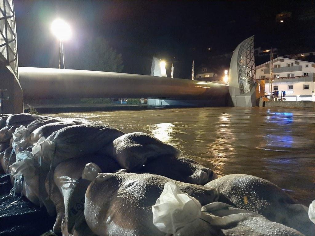 Die Hubbrücke in Mittersill musste zum ersten Mal angehoben werden, es herrschte Alarmstufe 2.