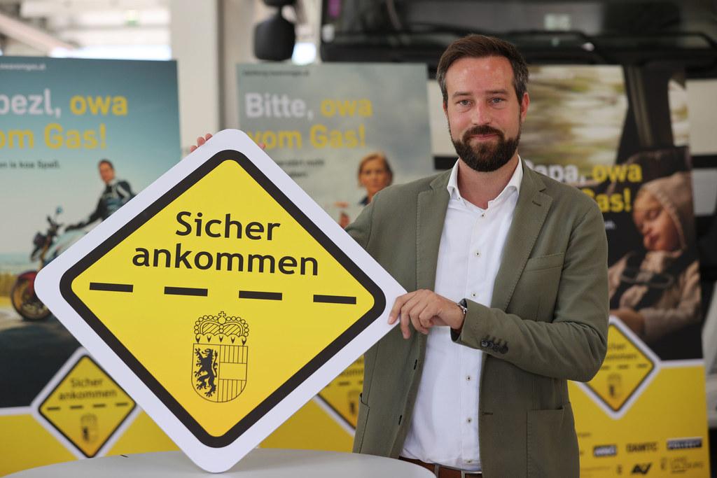 """LR Stefan Schnöll: """"Sicher ankommen"""". Der große Verkehrssicherheitsschwerpunkt legt den Fokus unter anderem auf den Kampf gegen extreme Raser."""