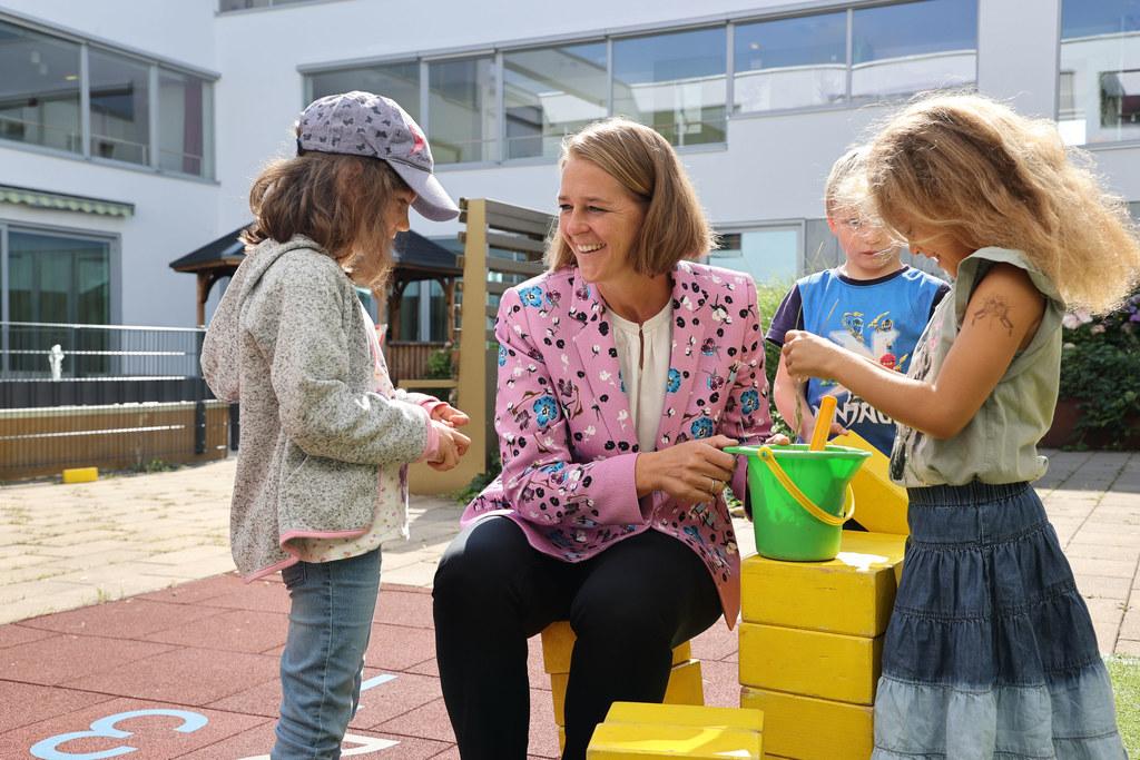"""LR Andrea Klambauer: """"Regelmäßige Tests, besonders zu Beginn, sorgen für einen sicheren Start in den Kindergarten-Herbst."""""""