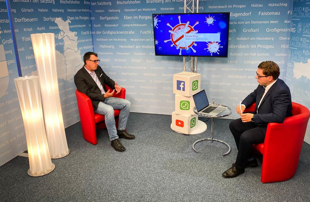 Impfkoordinator Dr. Rainer Pusch mit dem Chefredakteur des Landes-Medienzentrums, Franz Wieser bei der Corona-Expertenrunde am 13. September. Die Fragen konnten per Mail oder Facebook-Kommentar gestellt werden.