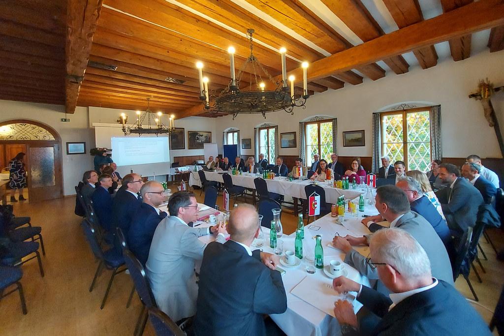 Konferenz der Energiereferentinnen und -referenten in Salzburg: Im Fokus stand das Erneuerbaren-Ausbau-Gesetz (EAG).