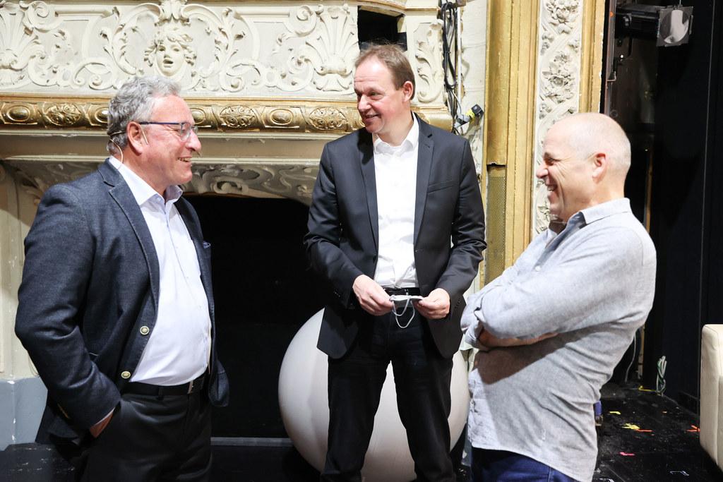 LH-Stv. Heinrich Schellhorn mit Georg Clementi (rechts) und Intendant Carl Philipp von Maldeghem