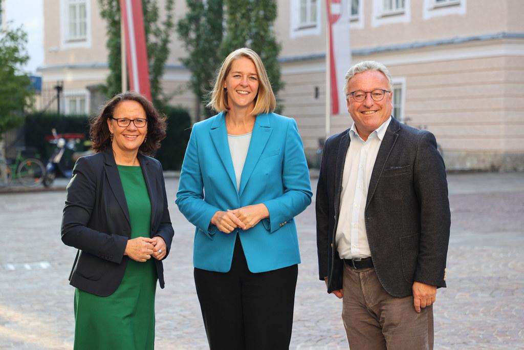 LR Daniela Gutschi, LR Andrea Klambauer und LH-Stv. Heinrich Schellhorn wollen beim Jugendgipfel alle Beteiligten an einem Tisch versammeln.